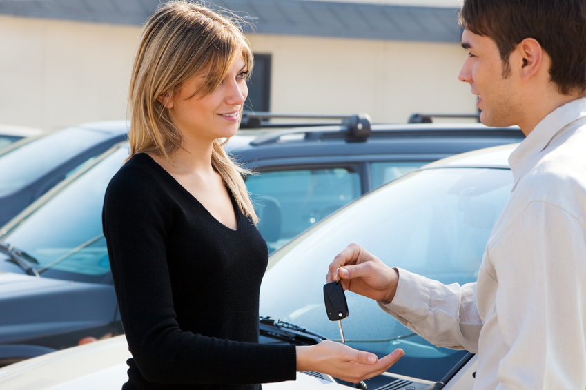 Is it a good idea to take the car to rent in Dubai?